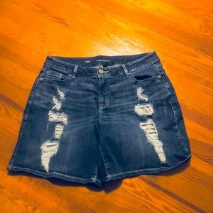 Women's Lane Bryant sz 16 distressed jean short